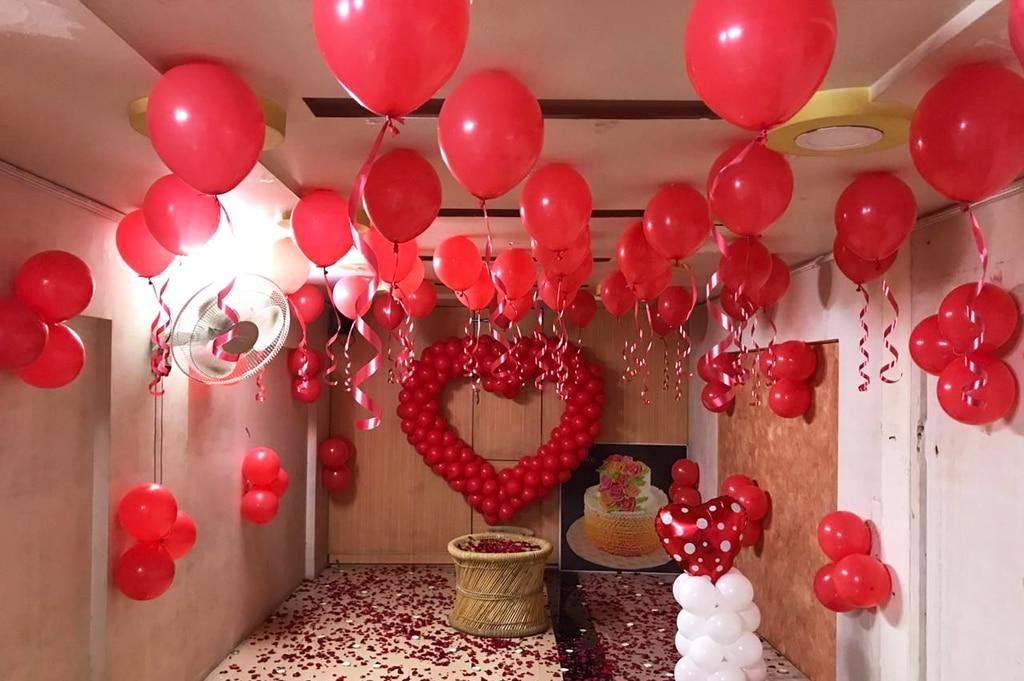 Стая пълна с балони