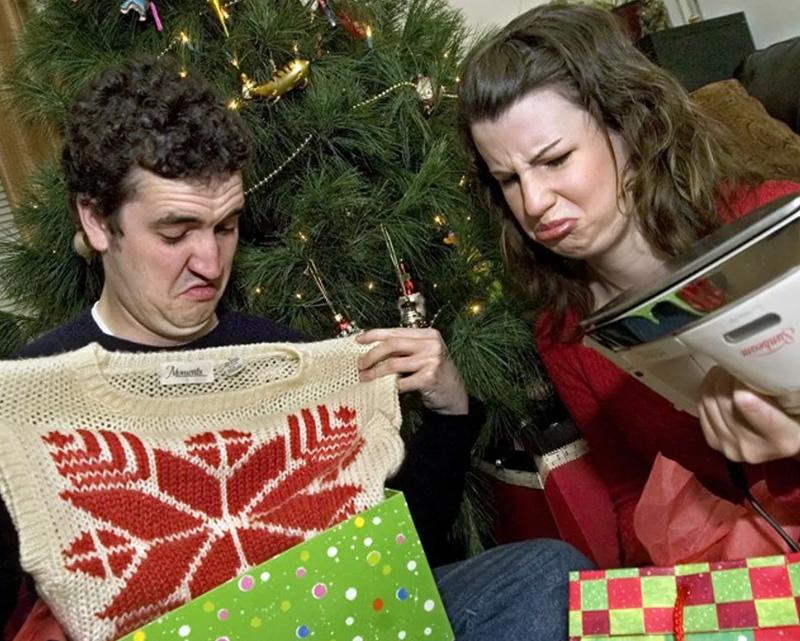 Как да реагираме на подарък, който не харесваме от любим човек